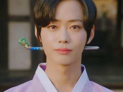 Ki Wan is played by the actor Lee Se Jin (�세진).