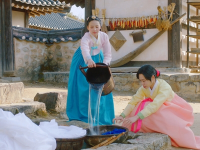 Jun Hee was quite mean to her sister-in-law at the beginning.
