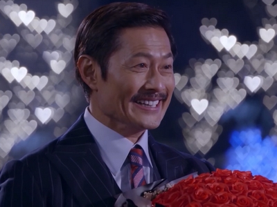 KK confesses his love to Tin at the end of Episode 1.