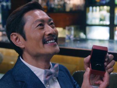 KK plans an elaborate proposal for Tin in Ossan's Love Hong Kong Episode 14.