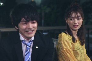 Maki and Chizu have a chat after learning about the proposal in Ossan's Love Japan.