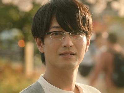 Kijima is played by the actor Terunosuke Takezai (竹財�之助).