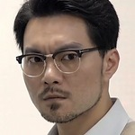Director Li is portrayed by the Taiwanese actor Joseph Hsia (��庭).