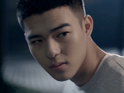 Xia Zhi Chen is portrayed by the Taiwanese actor Edward Chen (陳昊森).