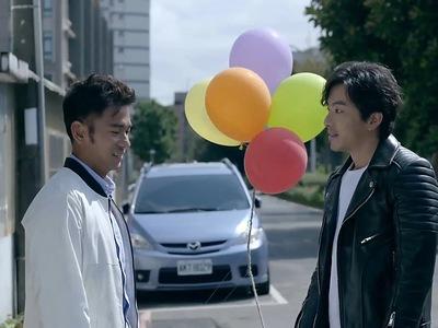 Xia Zhi Chen and Li Xiang Wen reunite again in their adult years.