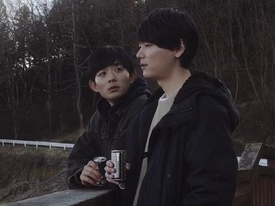 After becoming friends, Mitsuomi opens up to Yamato about his family.
