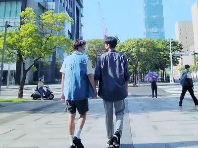 Sato travels to Taiwan and starts dating Bo Chun.