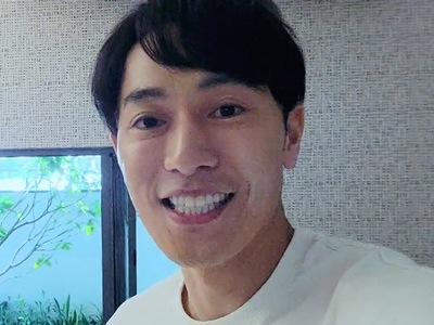Sato is portrayed by the actor Kawai Akihiro (河�朗弘).