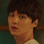 Jin Woo is played by the actor Choi Jae Hyun (최재현).