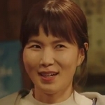 Sung Eun is played by the actress Gong Min Jung (김민정).