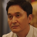 Tae Wan's father is played by the actor Jang Hyun Sung (장현성).