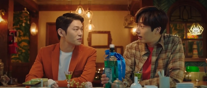 Jin Sung and Tae Wan become good friends during the filming of Sweet Munchies.