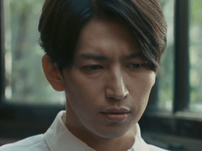 Kyouichi breaks up with Tamaki because there's no passion in their relationship.