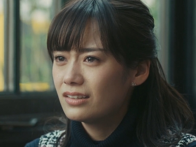 Tamaki cries when Kyouichi breaks up with her in the ending.