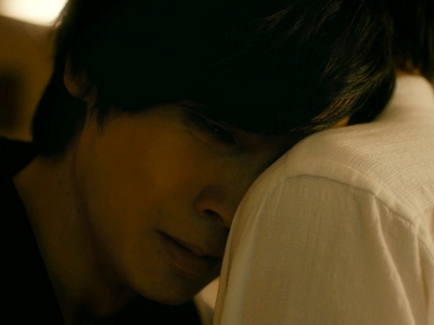 Kuzumi cries after learning that Kijima has been lying to him all this time.
