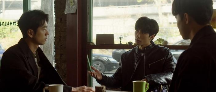 Hyung Ki got away with blackmailing Seo Joon for money.