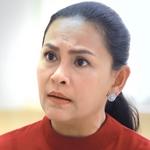 Tonhon's mom is played by Ngek Kalaya Lerdkasemsap (�ัลยา เลิศเ�ษมทรัพย์).