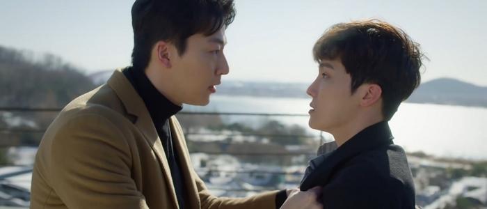 Hong Seok threatens Shi On's bully Jung Hoon.