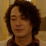 The adult version of Birdy is played by the actor Wang Shih-hsien (王識賢).